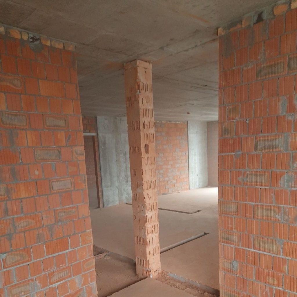 Резка стен кирпич